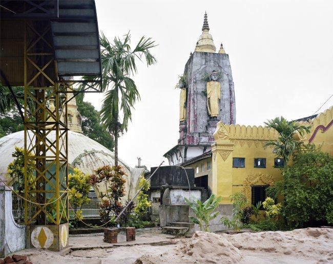Hans-Christian Schink: Dama Lin Khar Ra Paya, Bago (1), 2013,