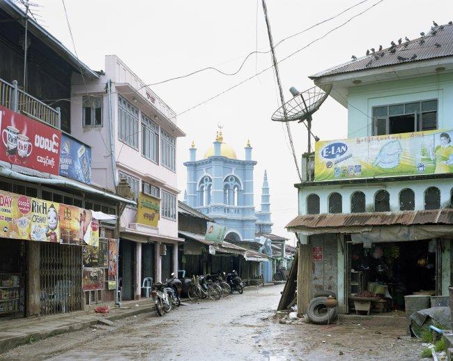 Hans-Christian Schink: Nyaungdon (1). The Mosque