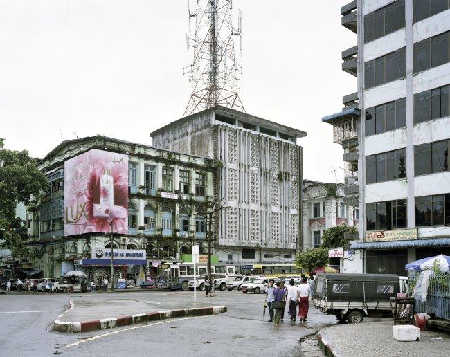Hans-Christian Schink: Maha Vandula and Sule Pagoda Roads, Yangon