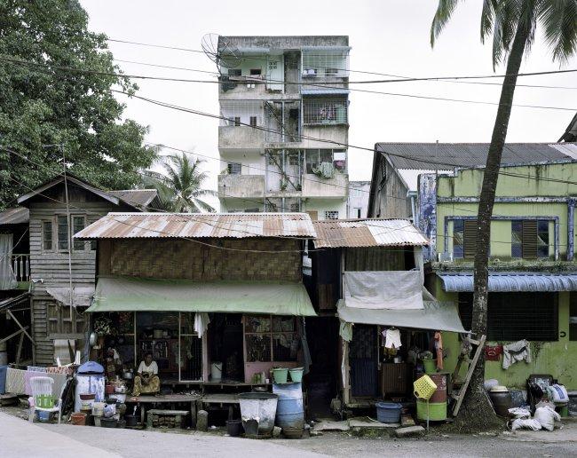 Hans-Christian Schink: Dobe Lane, Yangon