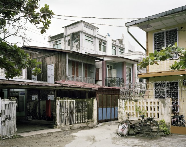 Hans-Christian Schink: 82nd Street, between 33rd and 34th Streets, Mandalay
