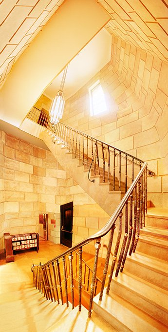 Raissa Venables: Temple Emanu-El New York, Stairwell