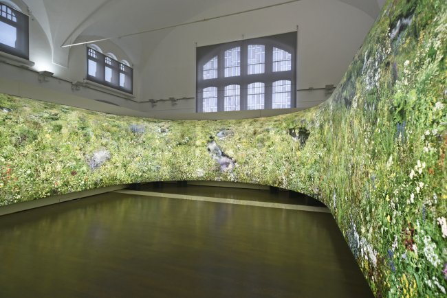Hiroyuki Masuyama: Flowers, 2004 - 2016, LED Lightbox, Unikat, 238 x 2800 x 30 cm, Ansicht 2