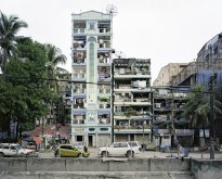 Hans-Christian Schink: Upper Mandalay Road, Yangon (1)