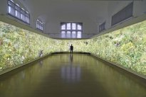 Hiroyuki Masuyama: Flowers, 2004 - 2016, LED Lightbox, Unikat, 238 x 2800 x 30 cm, Ansicht 1