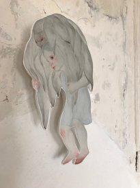 Michiko Nakatani: Vogel und Mädchen, 2018, Gips, Epoxy, Pigment, Edelstahl, Unikat