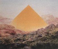 Wieland Payer: Pyramidenberg, 2018, Pastell und Kohle auf MDF, 15 x 18 cm